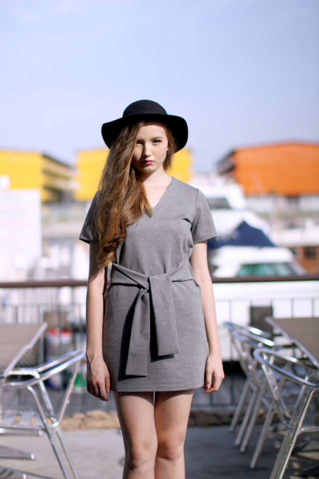 TSW Zalia V-Neck Waist-Tie Dress in Heather Grey