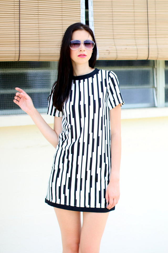 TSW Sheila Contrast Shift Dress in Monochrome (XS)