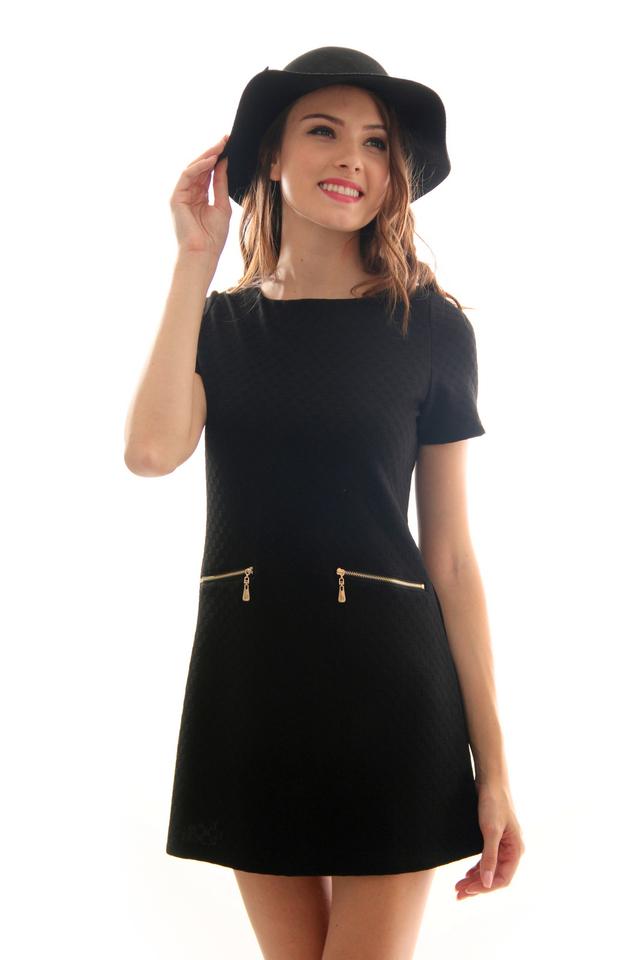 TSW Duchess Textured Shift Dress in Black (L)