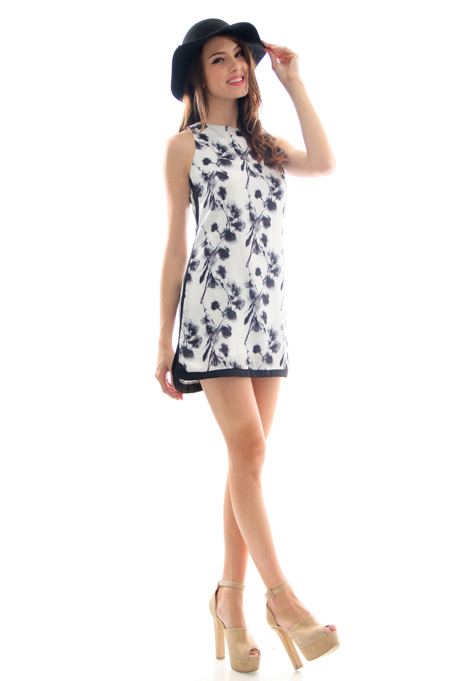 TSW Tic Tac Toe Frame Dress In Blackthorne (L)