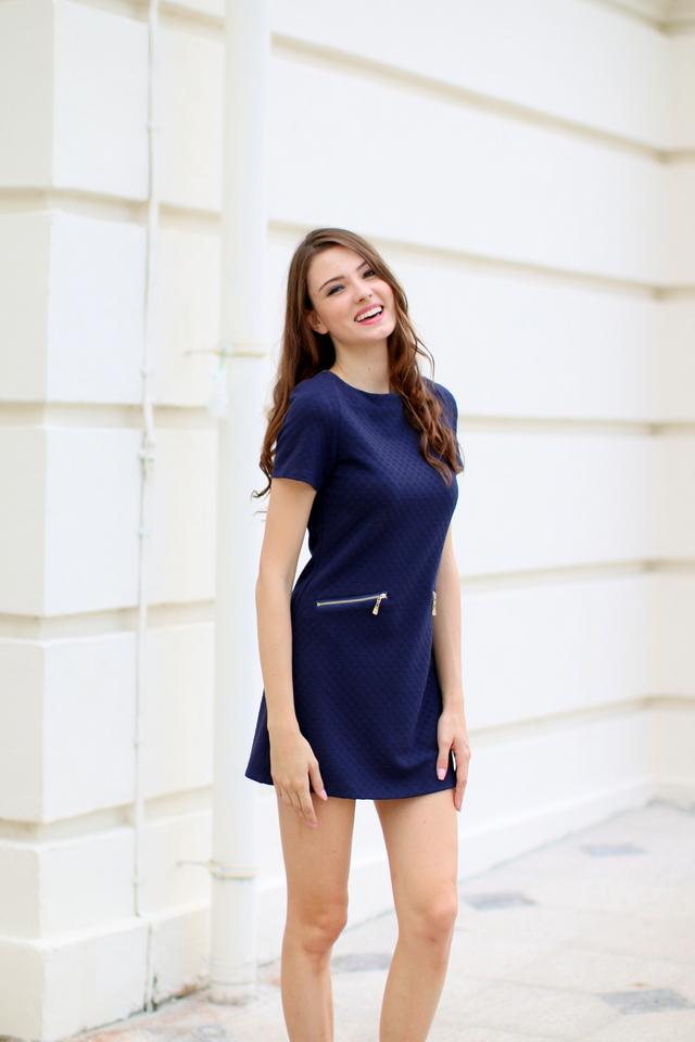 TSW Duchess Textured Shift Dress in Navy Blue (L)