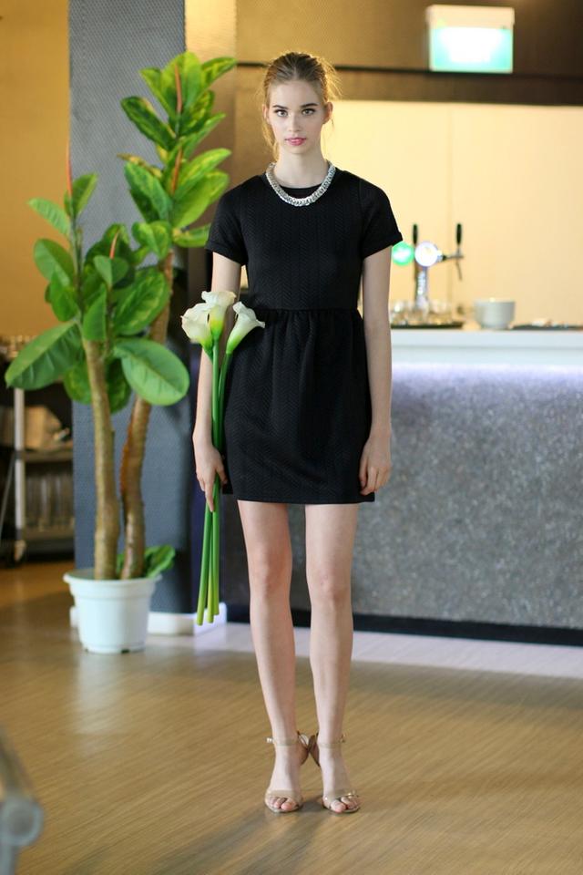 TSW Wonderland Textured Babydoll Dress in Black (L)