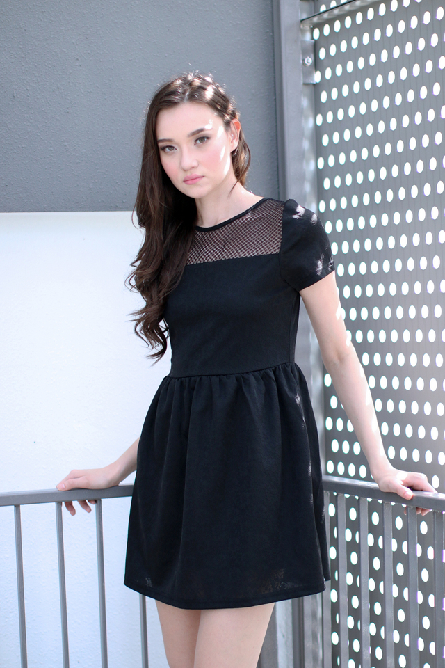 TSW Crystal Mesh Embossed Dress in Black (XL)