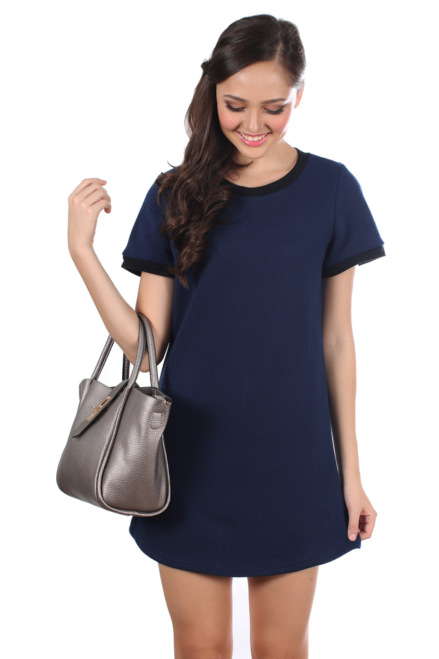 TSW Stanford Textured Shift Dress in Navy Blue