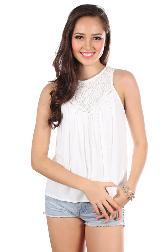 TSW Ivie Crochet Neckline Top in White