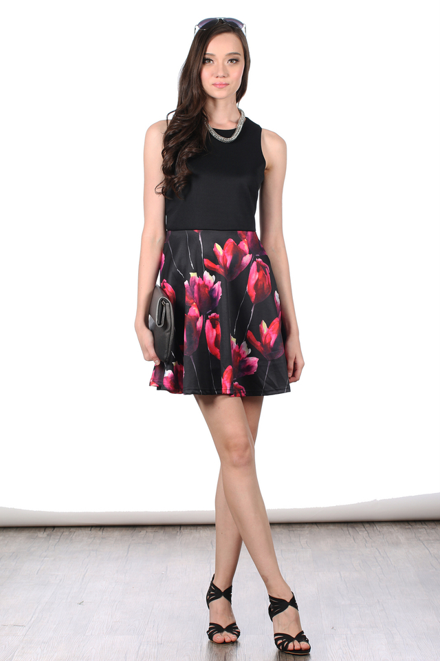 TSW Bethany Contrast Printed Dress in Red Tulip