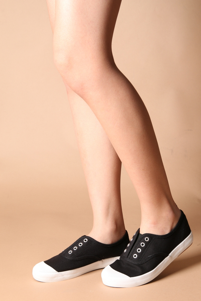Elena Canvas Sneakers in Black
