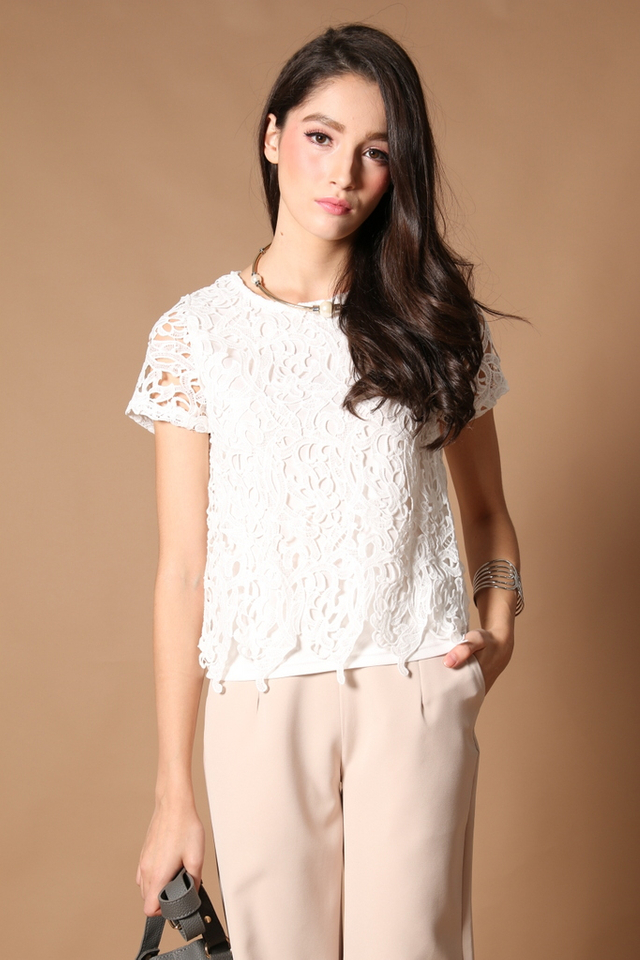 TSW Lilia Crochet Box Top In White (S)