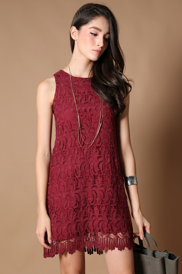 TSW Ciara Scallop Edge Dress in Burgundy