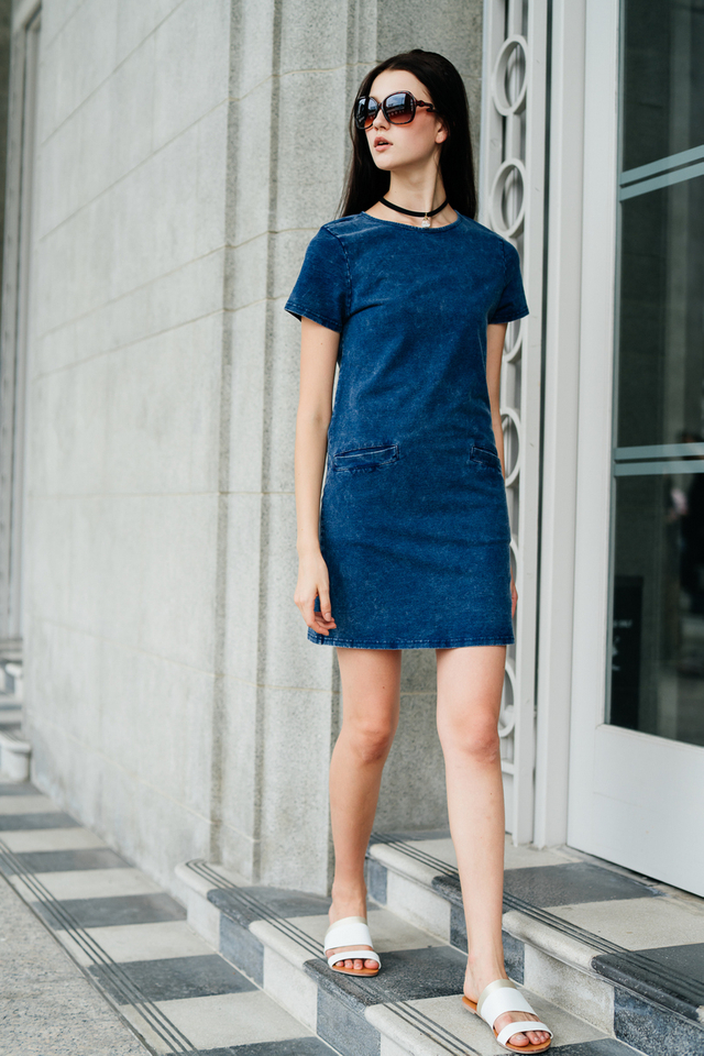 TSW Amara Pocket Denim Dress in Dark Denim (XS)