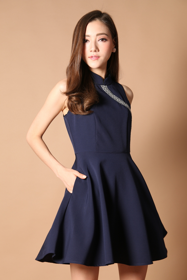 Prosperous Embroidery Cheongsam Dress in Navy (XS)