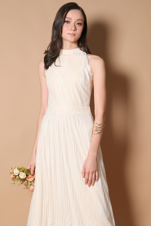 Victoria Lace Maxi Dress in White