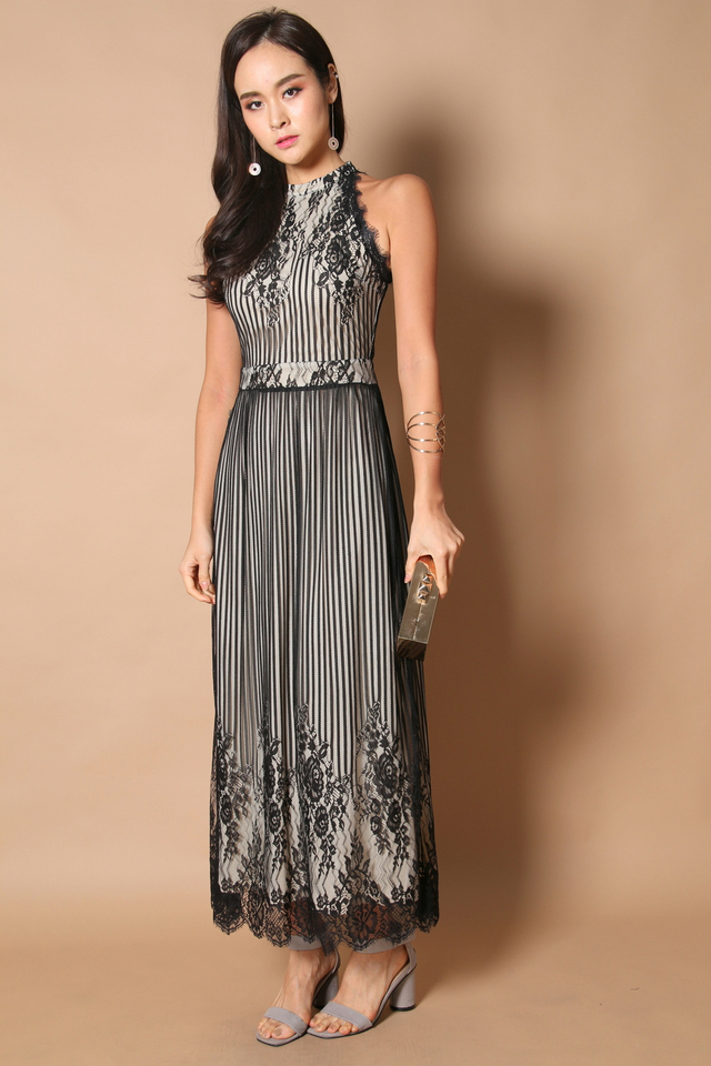 Victoria Lace Maxi Dress in Black