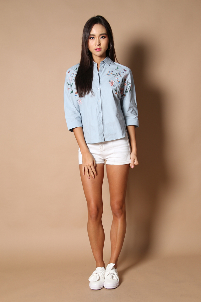 Hendrix Floral Embroidery Shirt in Light Blue
