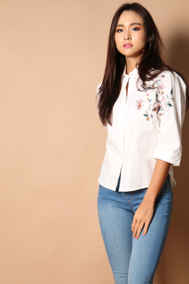Hendrix Floral Embroidery Shirt in White