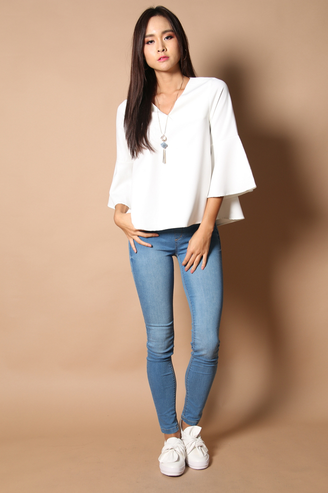 Neveda Bell Sleeve Top in White