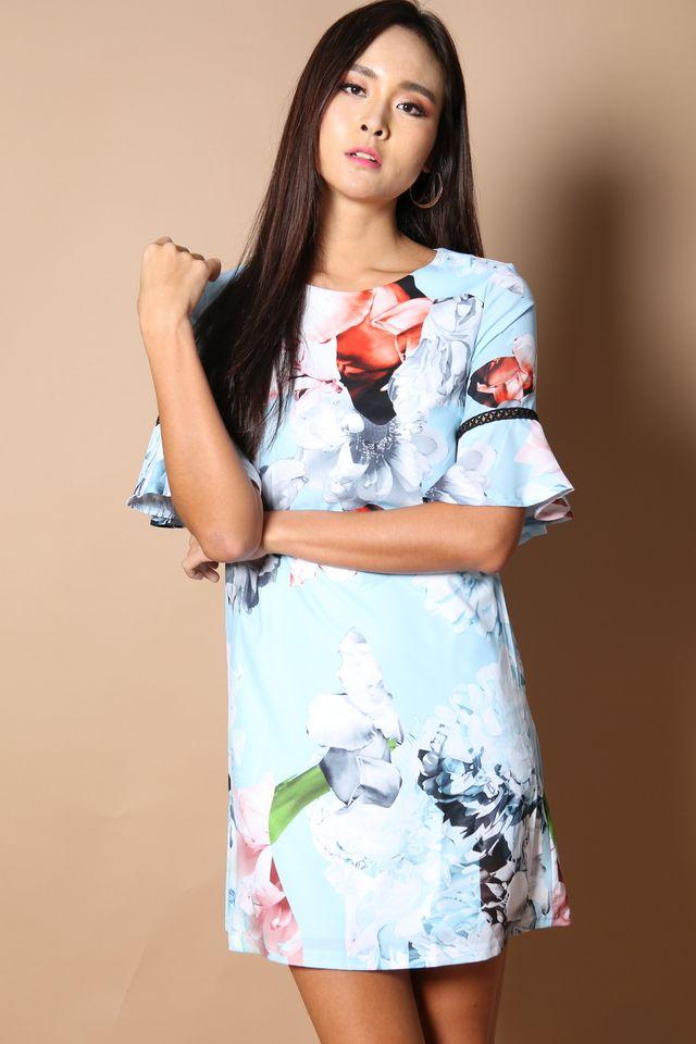 Fleur Bell Sleeve Shift Dress in Powder Blue (XS)