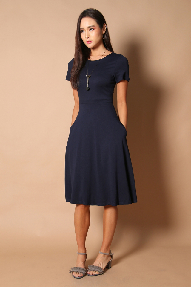 Clover Midi Basic Dress in Navy (XS)