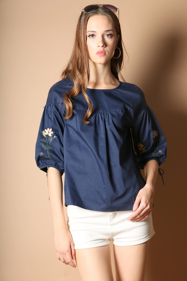 Reedly Embroidery Sleeve Top in Navy