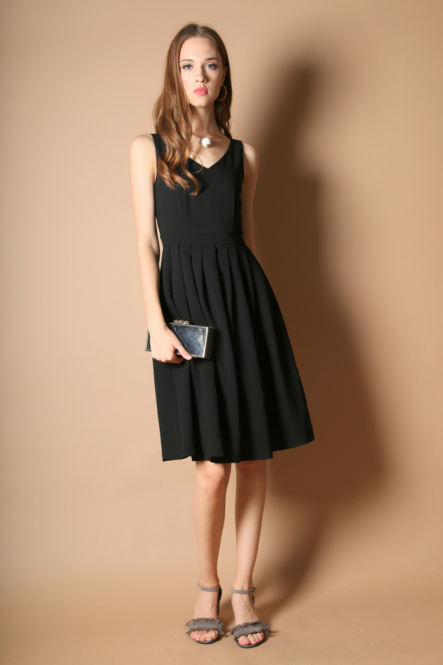 Kendra Pleated Midi Dress in Black