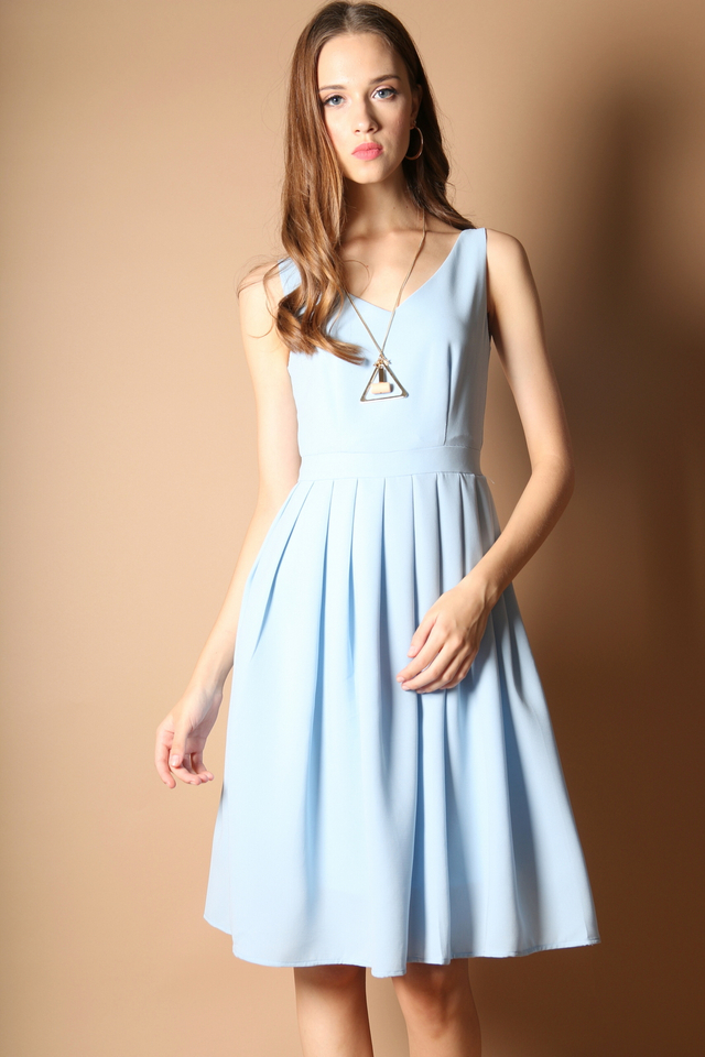Kendra Pleated Midi Dress in Powder Blue (L)
