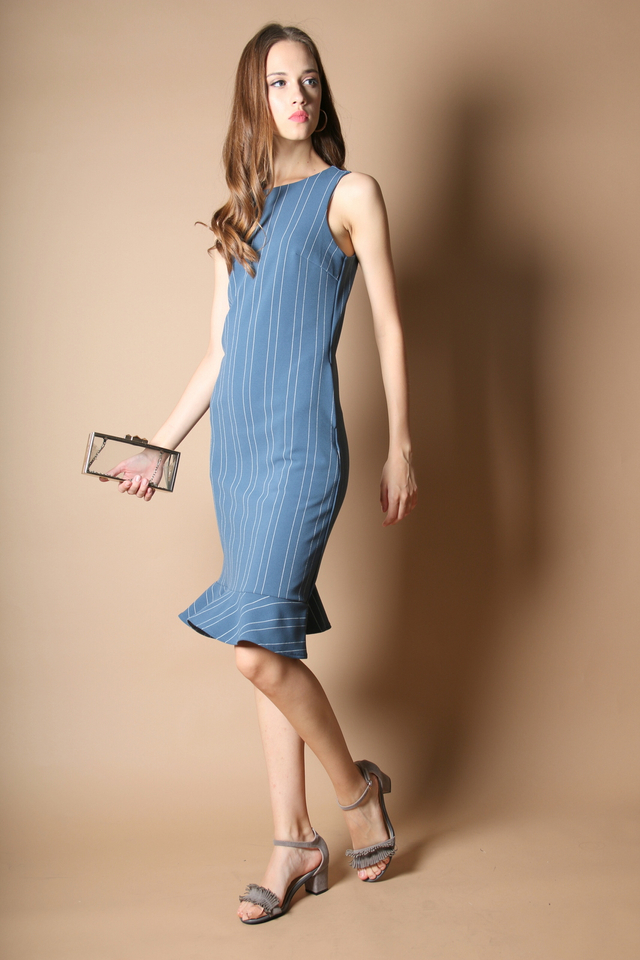 Allison Dropwaist Midi Dress in Blue Stripe (M)