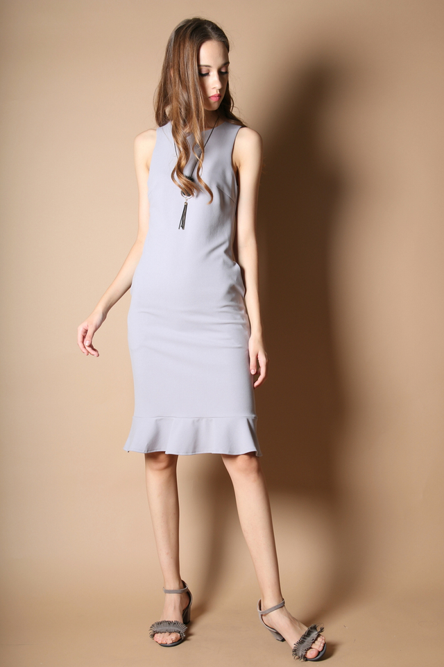 Allison Dropwaist Midi Dress in Grey