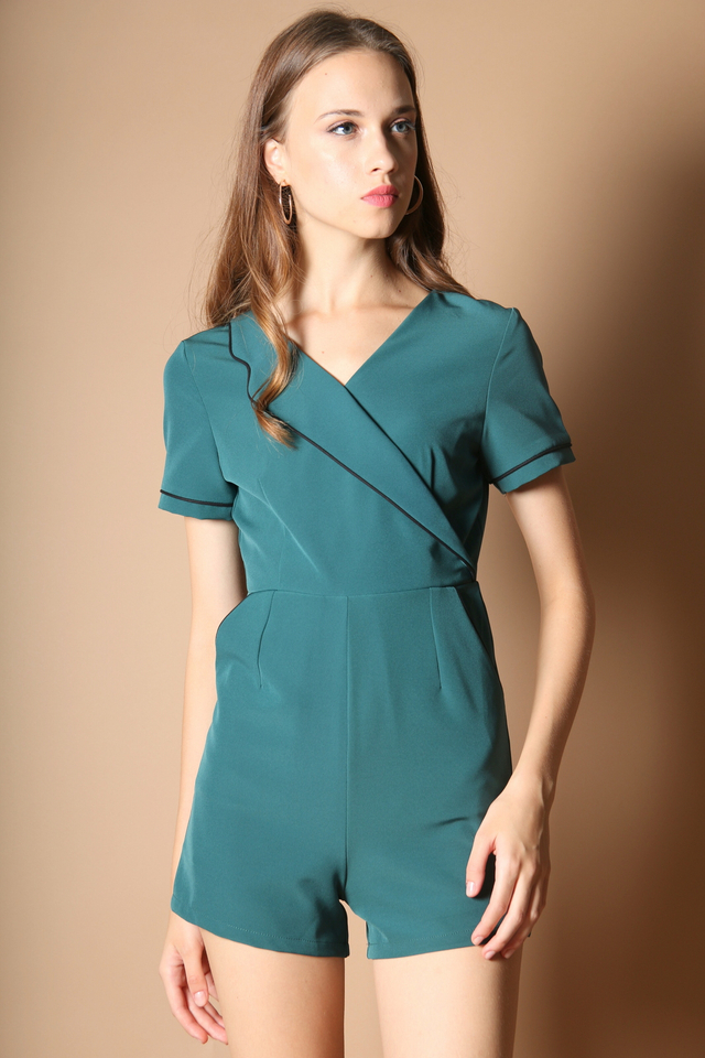 Claret Lapel Romper in Kelly Green (L)