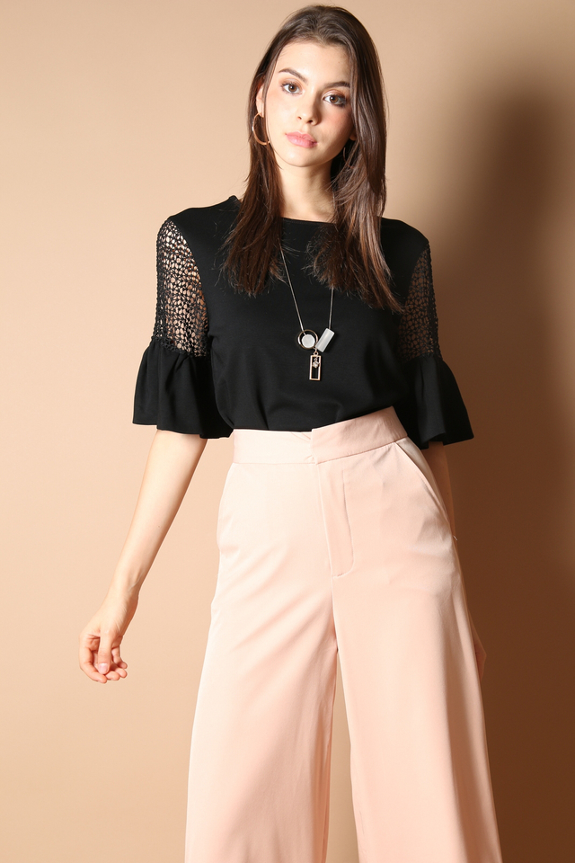 Casey Flounce Sleeve Top in Black