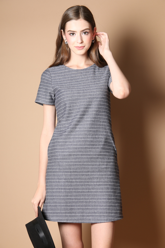 Nadia Pocket Casual Dress in Navy
