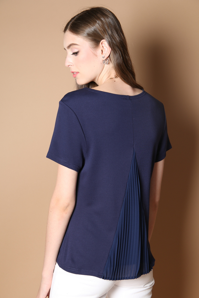 Melby Pleated Back Top in Navy