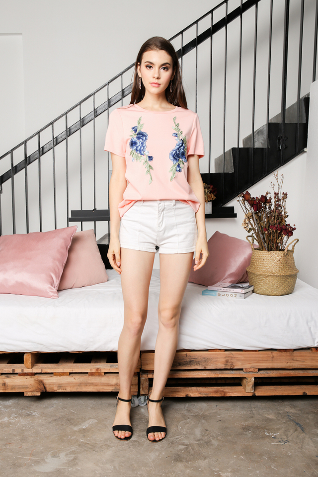 Alessa Floral Patch Tee in Pink