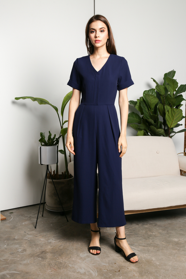 Lia Classic Jumpsuit in Navy (S)