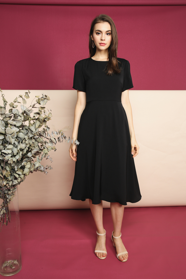Averi Midi Dress in Black