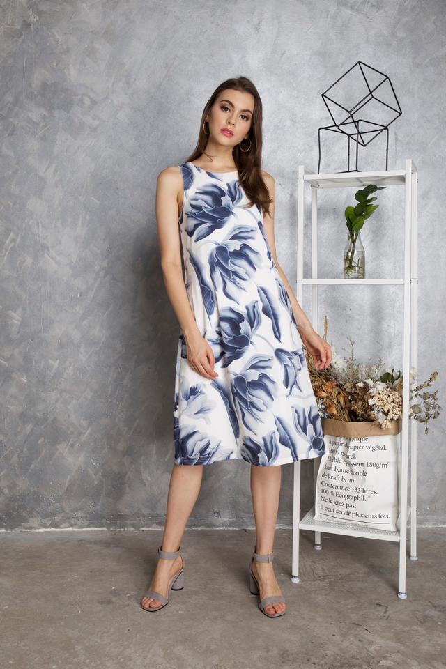Maisie Floral Midi Dress in Blue