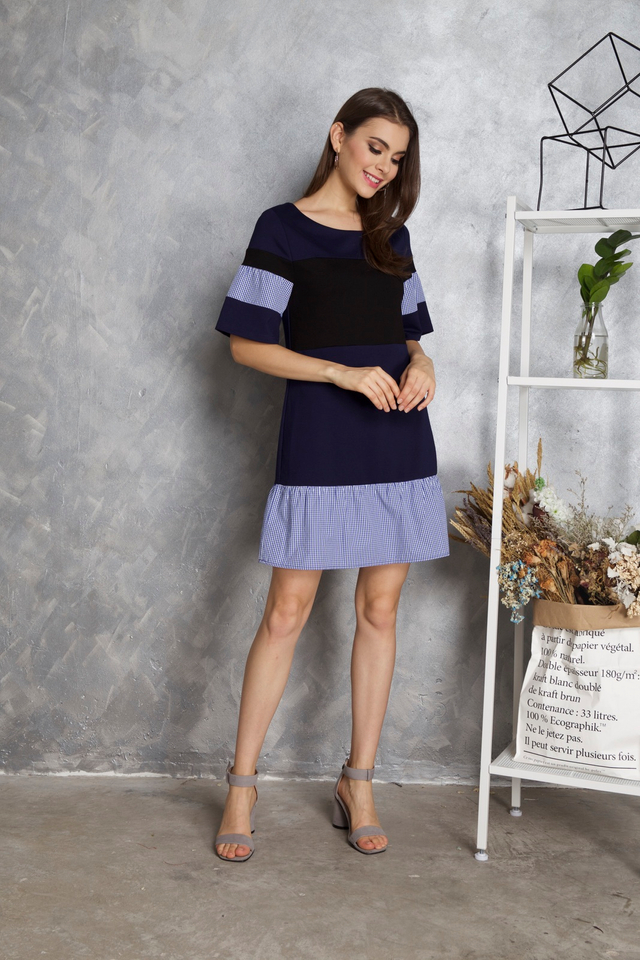 Maia Colourblock Gingham Dress in Navy Blue (XS)