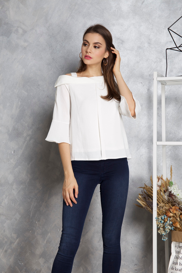 Lana One Shoulder Sleeve Top in White