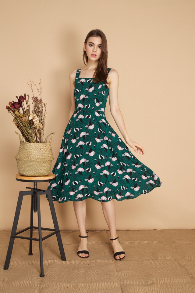 Jaylin Mix Print Midi Dress in Forest