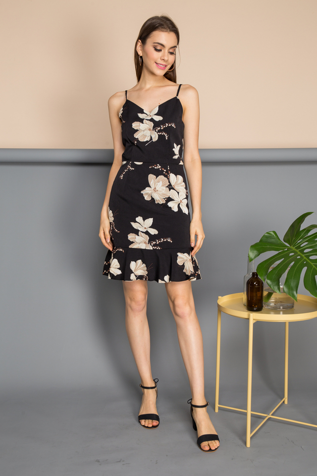 Eugenia V Neck Floral Dress in Black (L)