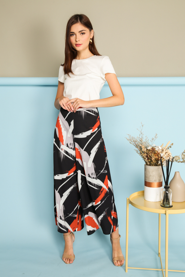 Cristine Brushstrokes Flare Pants in Black (XS)