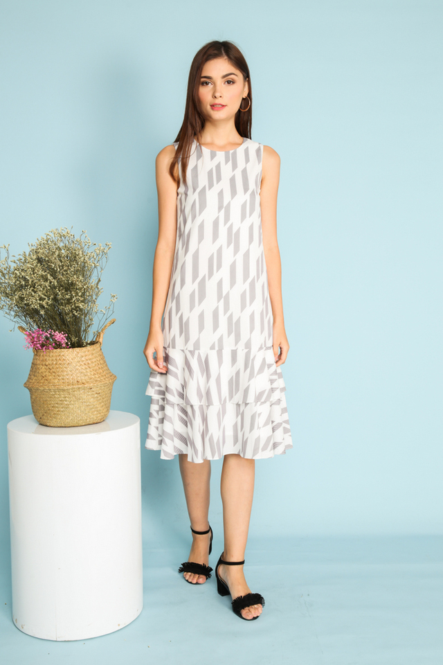 Elisa Geometric Dropwaist Midi Dress in White (XS)