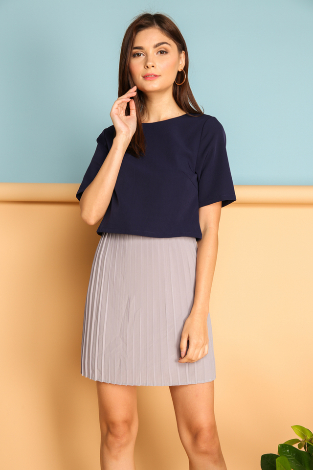 Laurel Colourblock Pleated Dress in Navy (XS)