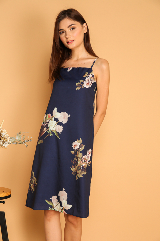 Roselyn Floral Slip On Dress in Navy