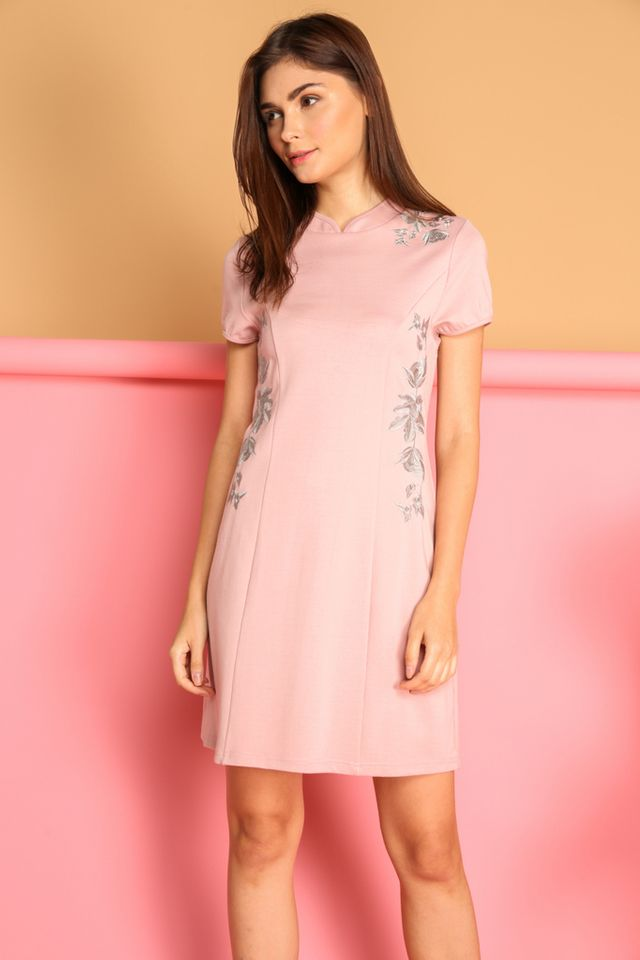 Ceria Oriental Cheongsam Dress in Dusty Pink