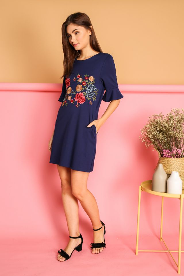 Galenia Garden Bell Sleeve Dress in Navy (XS)