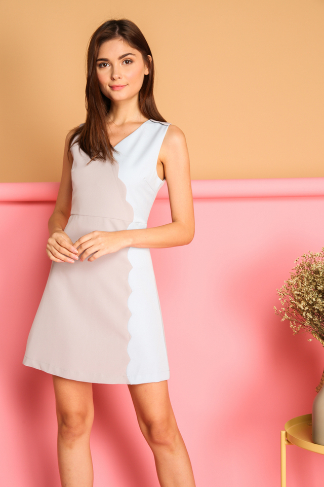 Marcie Colourblock Scallop Dress in Grey