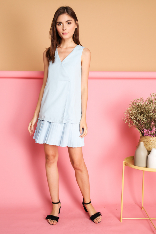 Kailin Layered Pleated Hem Dress in Blue (L)