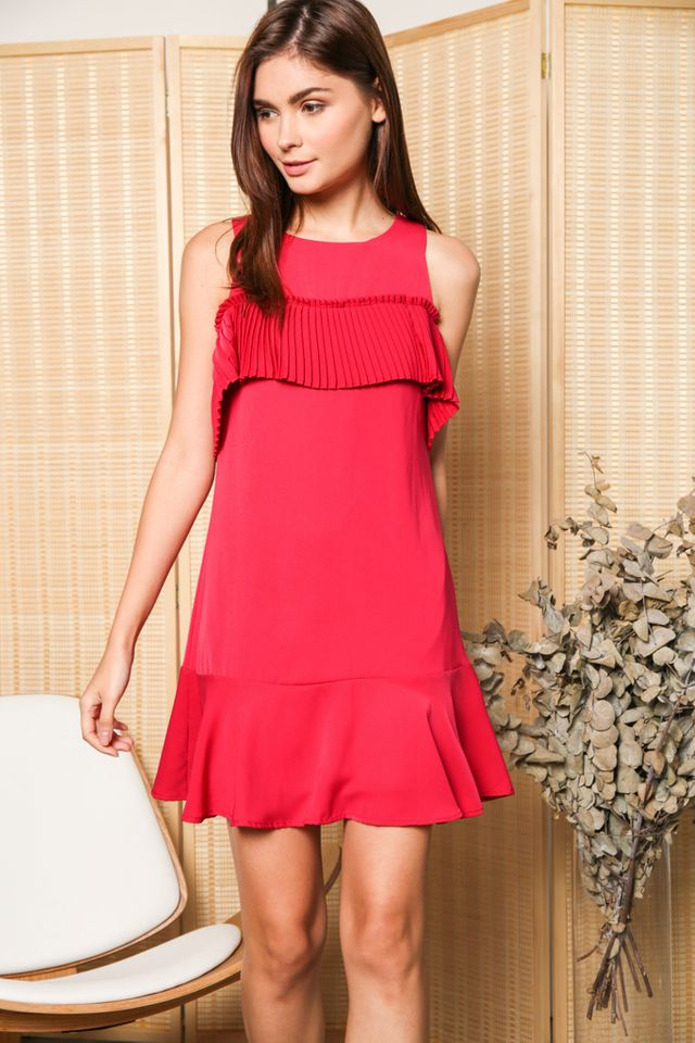 Perla Cold Shoulder Pleats Dress in Fushia (XS)