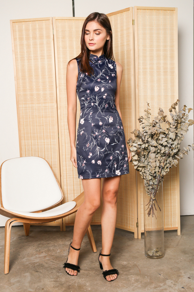 Alyshia Floral Qipao Dress in Navy