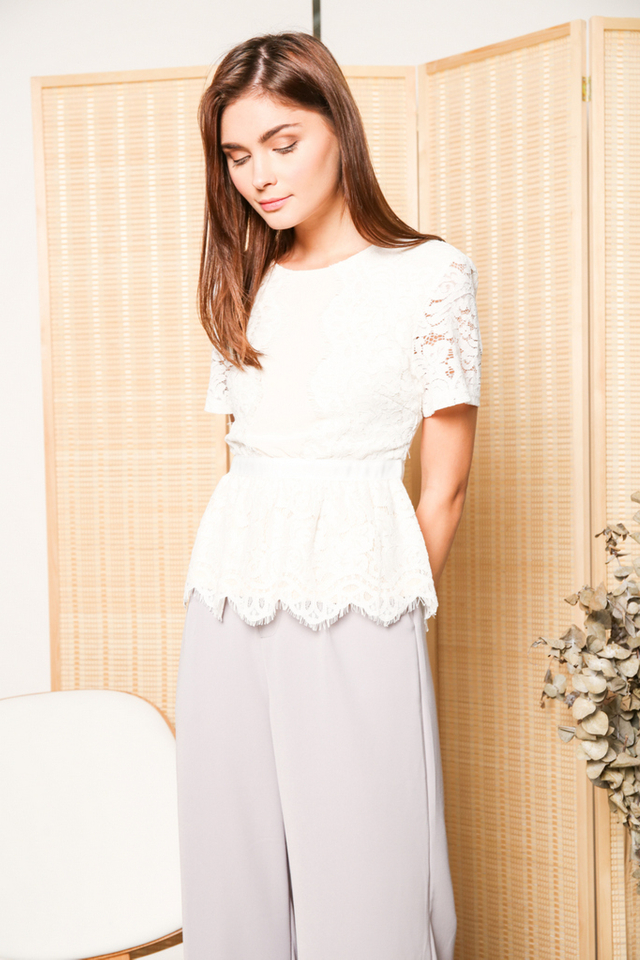 Quentin Scallop Lace Peplum Top in White (XS)